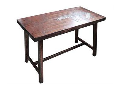 实木古铜色工业复古餐桌_厚重铁管桌脚铜钉贴破