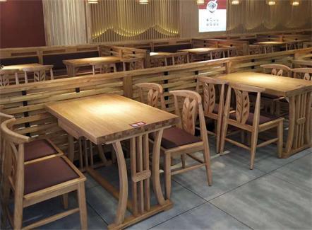 新款咖啡店家具实木桌椅